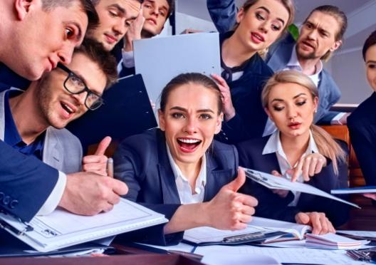 Cum să facilitezi o ședință de echipă productivă?